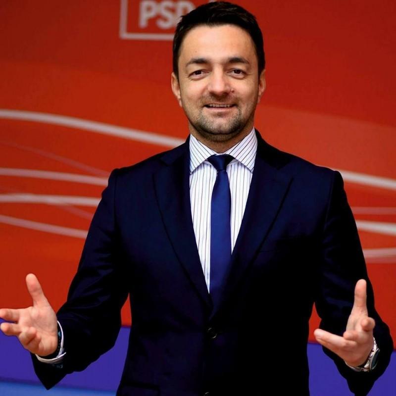 """COMUNICAT - Rotaru: """"În cazul casei Președintelui Iohannis instituțiile trebuie să reacționeze ca în litigiul bulevardului Mihai Eminescu din Botoșani"""""""