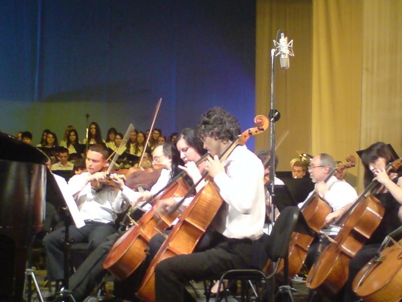 Concert cu tinere talente botosanene, in aceasta seara, la Filarmonica!