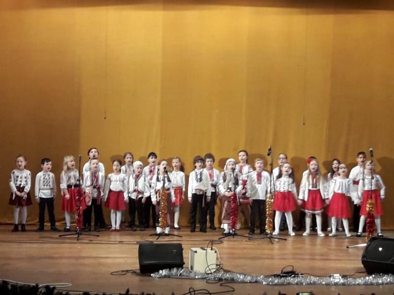 """Concert de Crăciun de înaltă clasă al artiştilor de la """"Ştefan Luchian"""" - FOTO"""