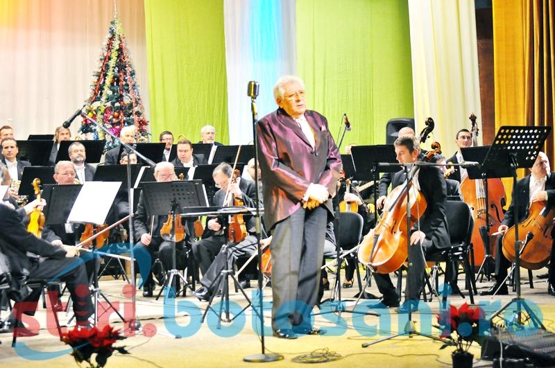 """Concertul de Crăciun al Filarmonicii Botoșani, o seară de nai și trompetă și un """"director de suflet""""! FOTO, VIDEO"""