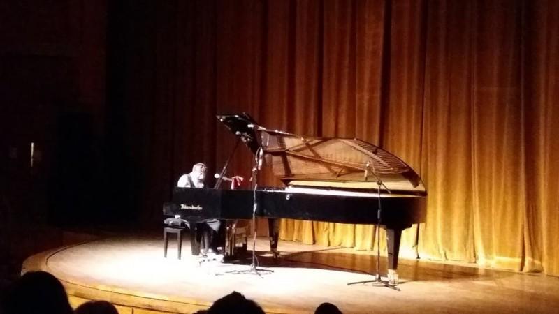 Concertul Harry Tavitian la Botoșani: Emoție, jazz, istorie!