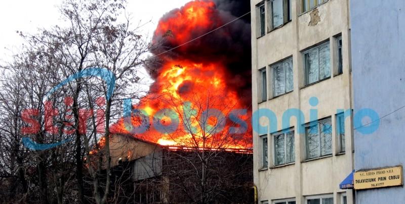 CONCLUZIILE pompierilor cu privire la incendiul de la fosta fabrica UPSS! Vezi de la ce a pornit focul!