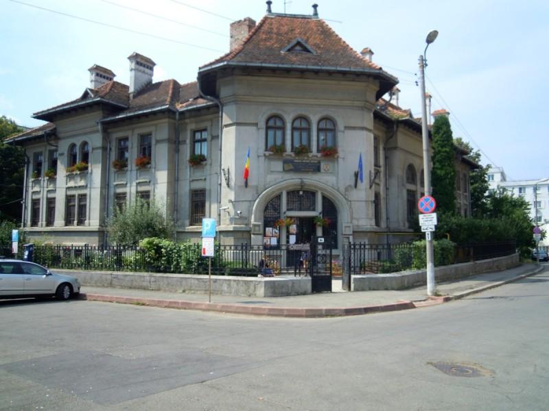 """Concurs cu premii """"europene"""" organizat la Biblioteca Județeană"""