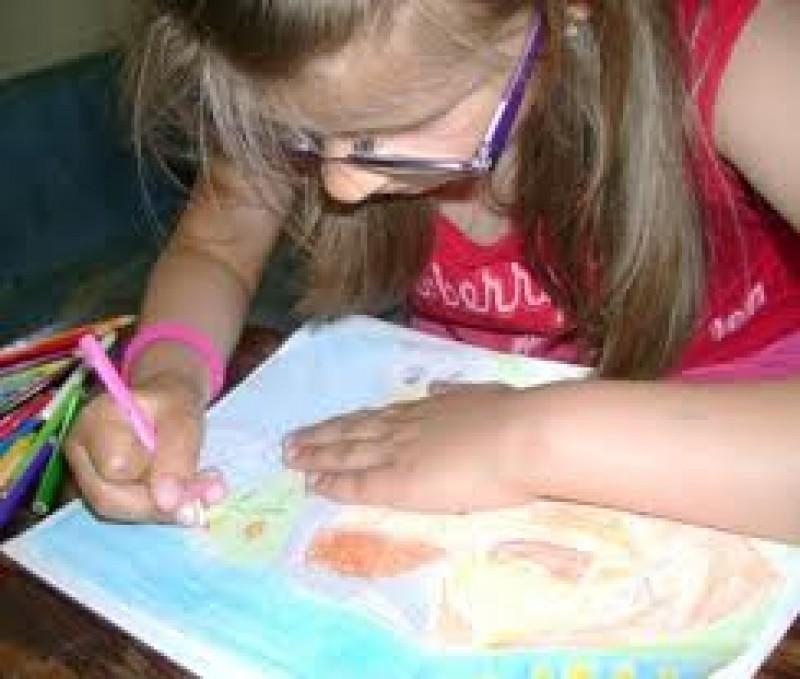 """Concurs de desene pentru elevi """"Sunt copil și ajut vârstnicii"""""""