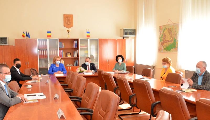 Concursurile pentru ocuparea funcțiilor de directori de școli vor avea loc după 13 septembrie