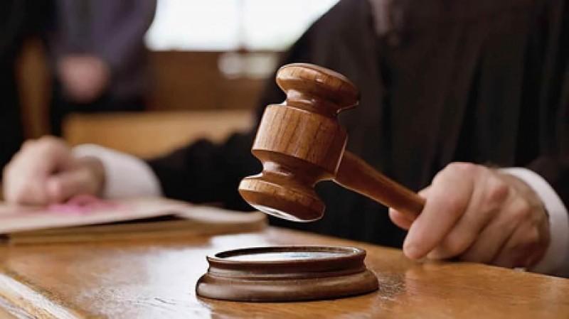 Condamnat la 12 ani de închisoare, după ce și-a omorât tatăl