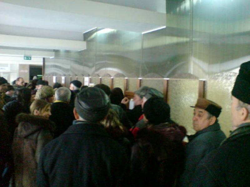 Conducerea Spitalului Mavromati are o soluție pentru aglomerația de la ghișee!