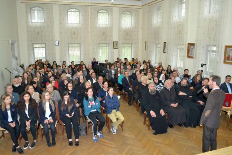 """Conferinţa cu tema """"Cinstirea Sfintelor Moaşte"""", la Botoşani!"""