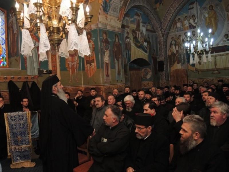 """Conferinţă preoţească la Dorohoi: """"Sfântul Voievod Constantin Brâncoveanu a fost un iubitor de Biserică şi de carte de învăţătură"""""""