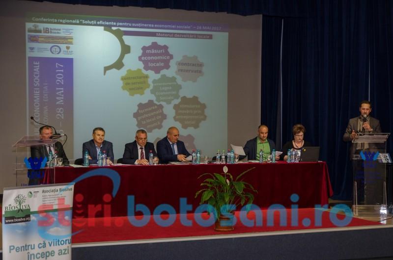 """Conferința regională """"Soluții eficiente pentru susținerea economiei sociale"""" și Târgul economiei sociale Bucovina - ediția I FOTO"""