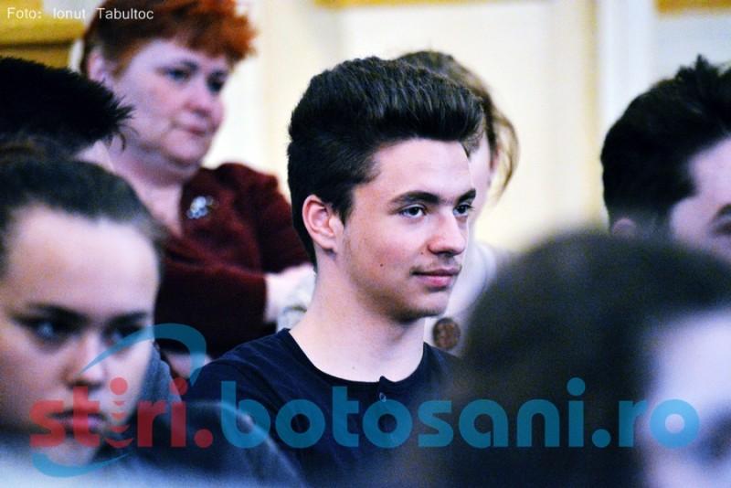 Conferinţele Botoşani.Ro: Confruntarea dintre generaţii duce şi la solidarizarea sufletelor!