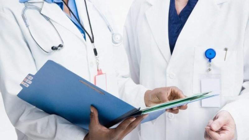 Consiliul Concurenţei investighează medicii de familie. Îi bănuieşte că s-au înţeles la preţ pentru serviciile nedecontate de stat