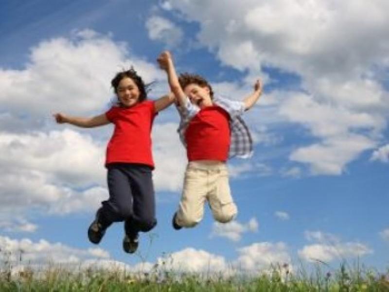 Consiliul Naţional al Elevilor cere ca vacanța de vară să înceapă de pe 1 iunie!