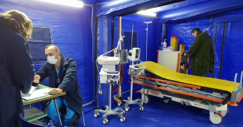 Construcții pentru triaj epidemiologic la UPU și la Spitalul de Recuperare din Botoșani