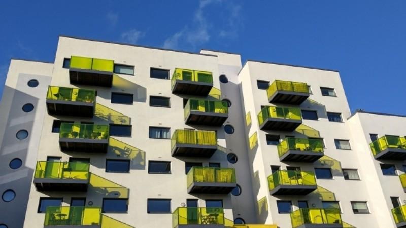 Constructorii de locuinţe care pun centrale pe gaz trebuie să dovedească primăriei că sunt mai eficiente decât termoficarea. Se schimbă legea