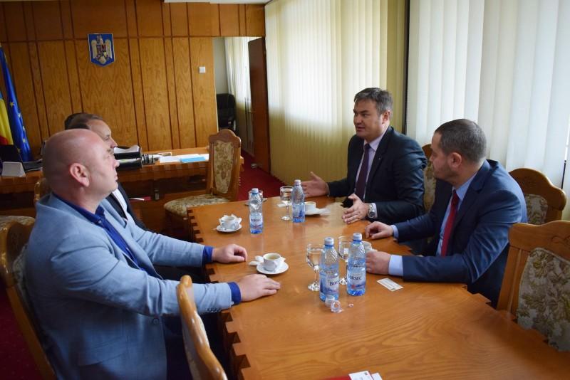 Consul general din Republica Moldova, în vizită la prefectul Dan Șlincu