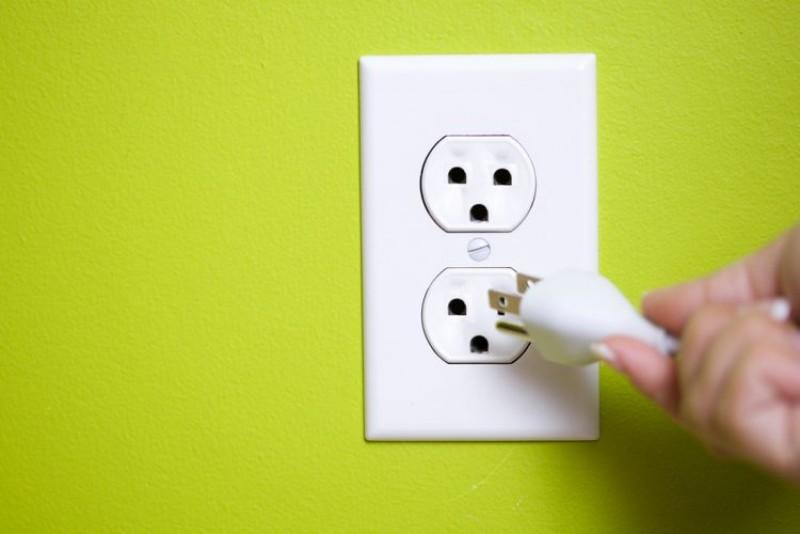 Consumatorii de energie din Moldova pot obţine o factură mai mică pe piaţa concurenţială decât în prezent