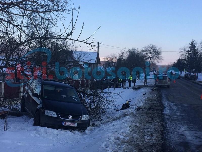 Grav accident la Copălău! Trei persoane au fost rănite! FOTO