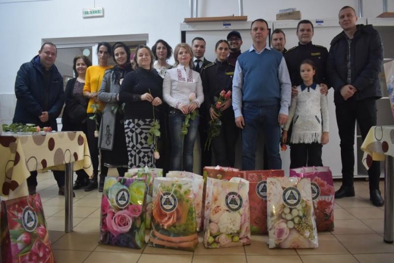 Copiii de la Centrul Prietenia, vizitați de membrii Sindicatului Novo Legis, din Penitenciarul Botosani - FOTO
