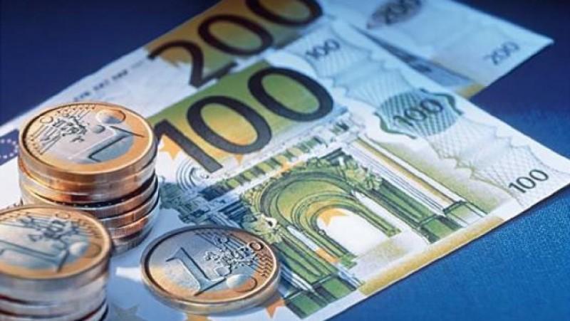 Copiii născuţi în ultimii 5 ani trebuie să primească de la stat 500 de euro