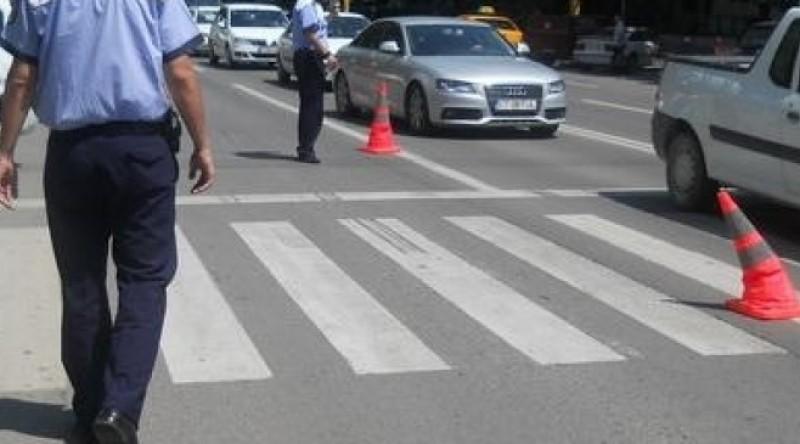 Copil de 5 ani, lovit pe trecerea de pietoni de o șoferiță de 18 ani, din Botoșani!