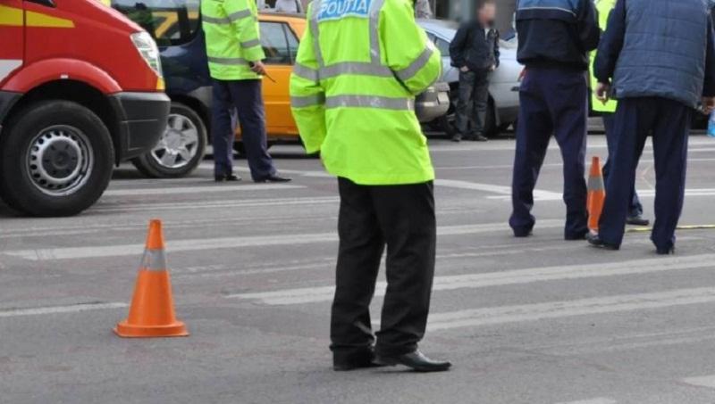 Copil de zece ani acroșat de mașină pe trecerea de pietoni