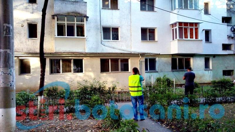 Copilul care a cazut de la etajul 4 a ramas internat la Botosani