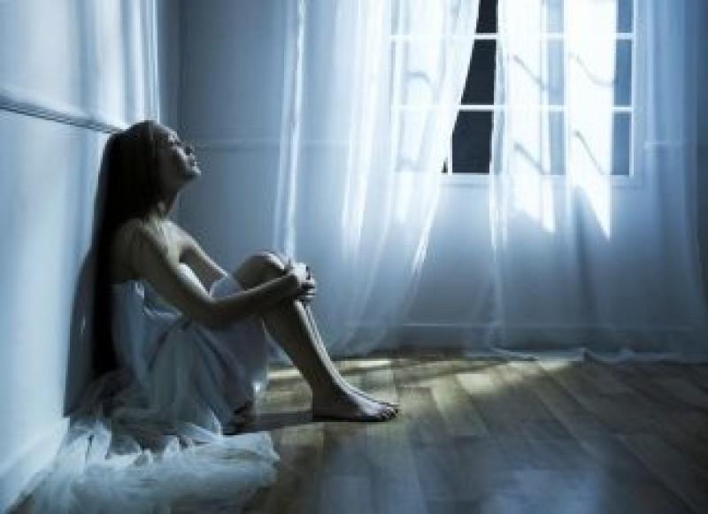 """COPLEȘITOR: O scriitoare din Italia, către sufletul prietenei românce: """"Ce întuneric ți-a invadat mintea, ce durere ți-a lovit inima?"""""""