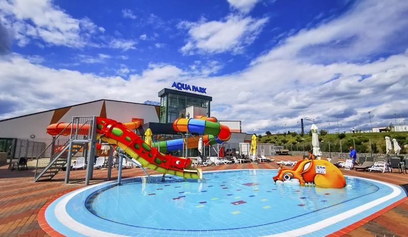 Cornișa AquaPark&Sports a devenit cel mai important parc de distracții de la graniţa de est a Uniunii Europene. Atrage turişti din trei ţări: România, Republica Moldova şi Ucraina!