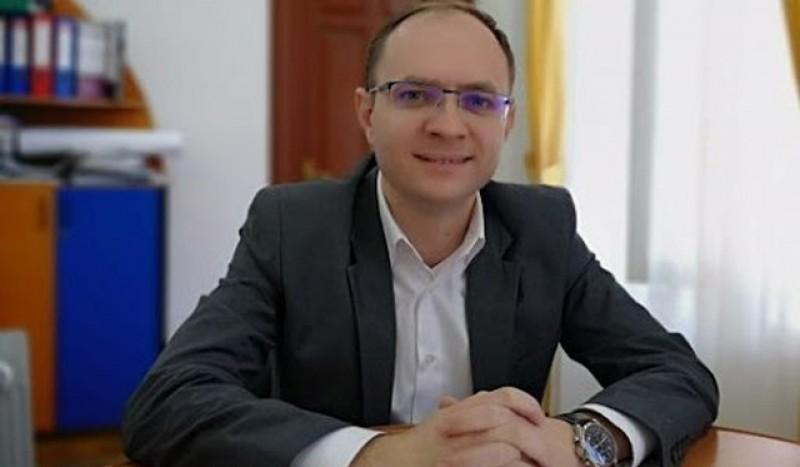 Cosmin Andrei: Viceprimarii pot semna documente și fără avizul de legalitate al Prefectului
