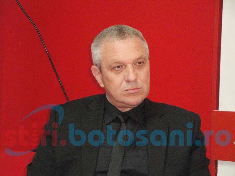 Costică Macaleți: Doar doi directori care candidează la parlamentare trebuie să suspende din funcție