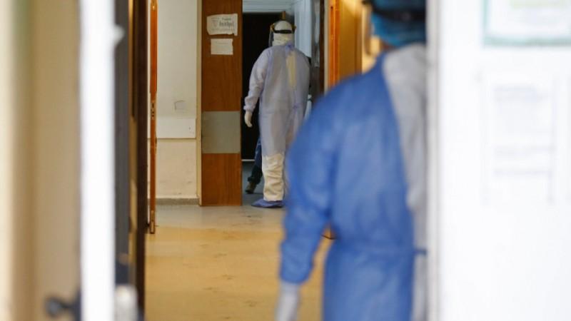 COVID. 2.069 cazuri noi, la doar 10.051 de teste, în ultimele 24 de ore. Alte 56 de decese, 628 de pacienți la ATI