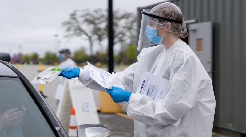 COVID. Numărul noilor infectări a scăzut sub 1.400. S-au înregistrat încă 50 de decese