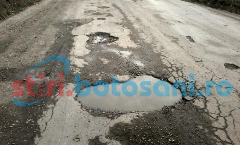 Covoare asfaltice pe mai multe drumuri judeţene. Unde se va interveni!