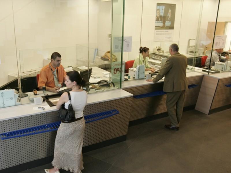 Creditul la bancă, boală fără leac. Ieșiți din criză, botoșănenii prind din nou gustul banilor pentru consum!