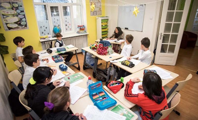 Creşele și alte activităţi de educaţie pentru copii, ar putea fi permise pe perioada vacanţei de vară