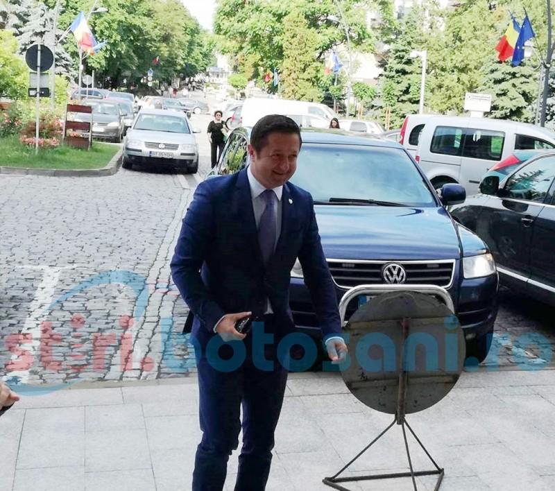 Creşteri salariale anunţate la Botoşani de Ministrul Tineretului şi Sportului