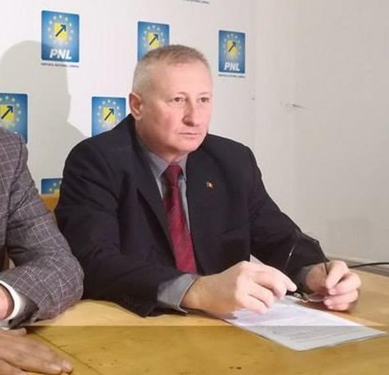 """Cristian Roman, atac la Marius Budăi: """"Să ne ţinem cu mâinile de burtă de râs"""""""