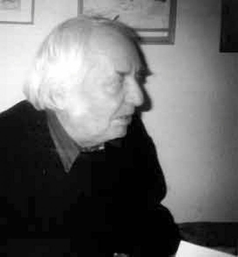 CRISTIAN SIMIONESCU - Un botosanean exilat in propria-i Poezie