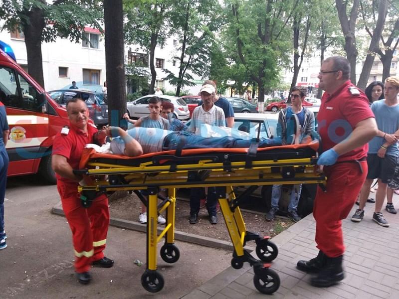 Criză de nervi cauzată de alcool, soldată cu victime colaterale! Două persoane au ajuns la spital! FOTO