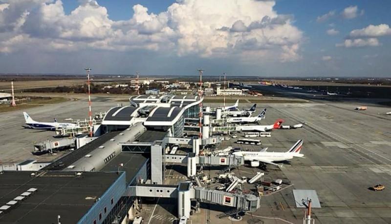 Criza economică lasă avioanele la sol. Aproape 200 din cele 740 de aeroporturi din Europa vor avea curând probleme cu plățile și fluxul de lichidități