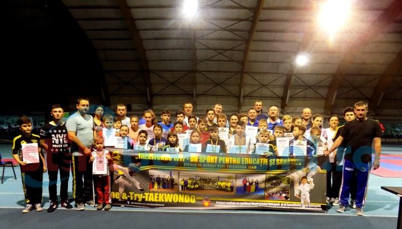 CS Real Taekwondo Team Botoșani s-a intors cu 24 de medalii de la Cupa Bacau - FOTO