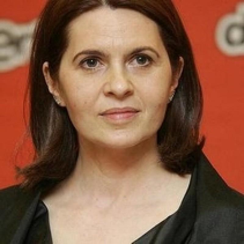 Cum poti sa declari ORICE in Parlament. Adriana Saftoiu, aplaudata pentru un discurs inventat!