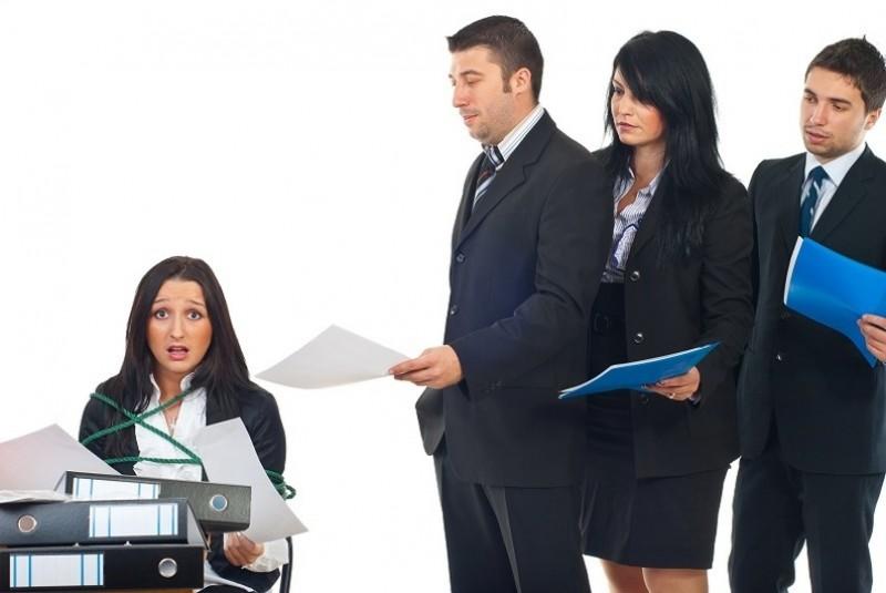Cum recupereaza un angajator pagubele de la un salariat