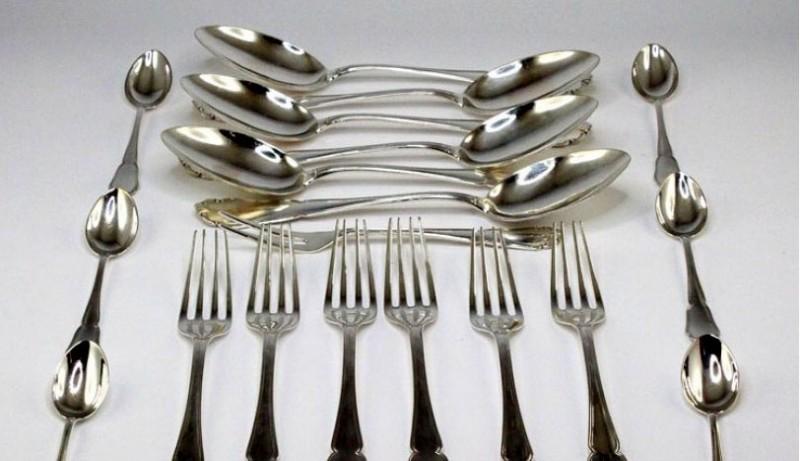 Cum se curăță ușor obiectele de argint