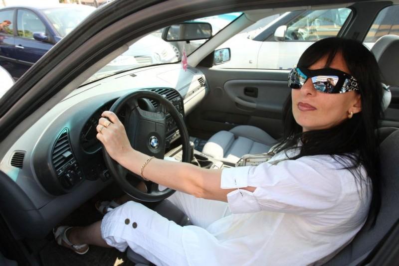 Cum sunt femeile la volan, în viziunea polițiștilor din România