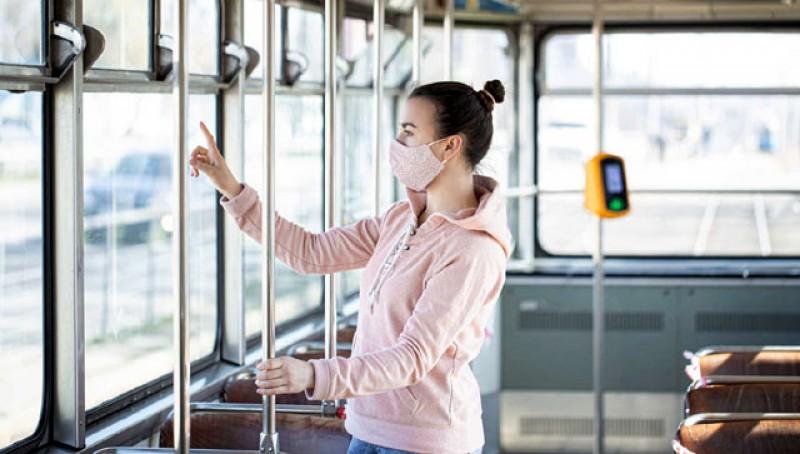 Cum te păzești de infectarea cu coronavirus în mijloacele de transport în comun