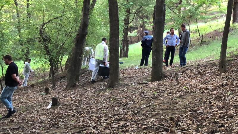 CUMPLIT! Adolescentă înjunghiată, găsită în păduricea de la Pacea! FOTO