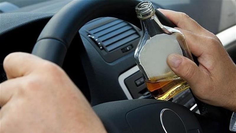 Curajos la beție: Fără permis, dar cu alcoolemie 1,36 mg, a urcat la volan!