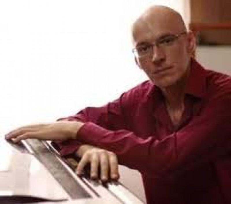 Curs de măiestrie pianistică, la Liceul de Artă Botoşani, cu pianistul Horia Maxim!
